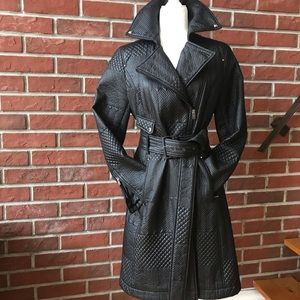 KENNETH COLE BLACK QUILTED ZIP COAT WITH BELT